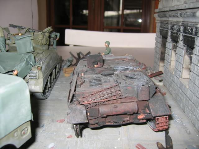 Sherman M4A1 Italeri - GMC CCKW 353 Heller - Dodge M6 Italeri - Jagdpanzer IV L/70 Italeri tout au 1/35e Allema18