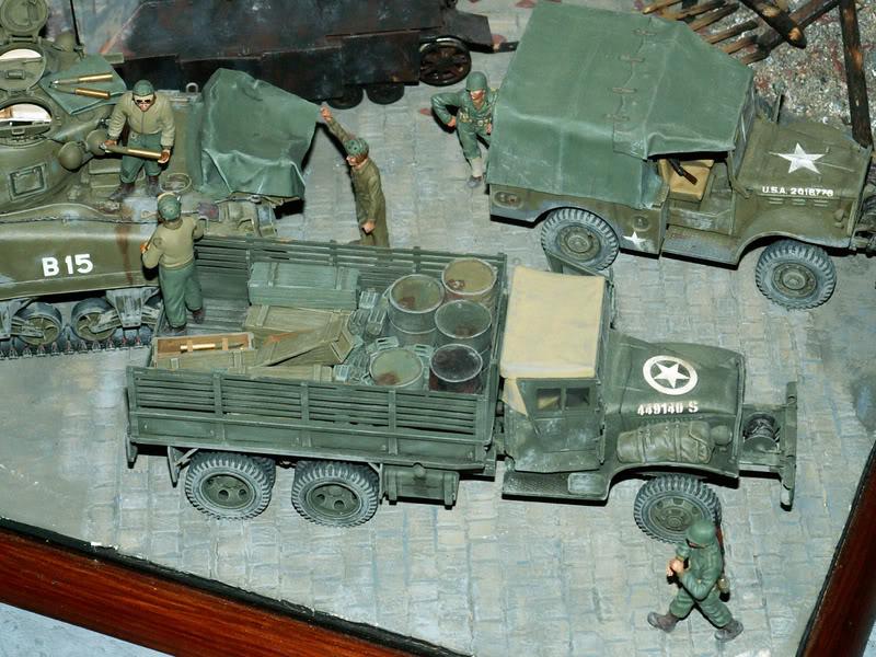 Sherman M4A1 Italeri - GMC CCKW 353 Heller - Dodge M6 Italeri - Jagdpanzer IV L/70 Italeri tout au 1/35e Allema20