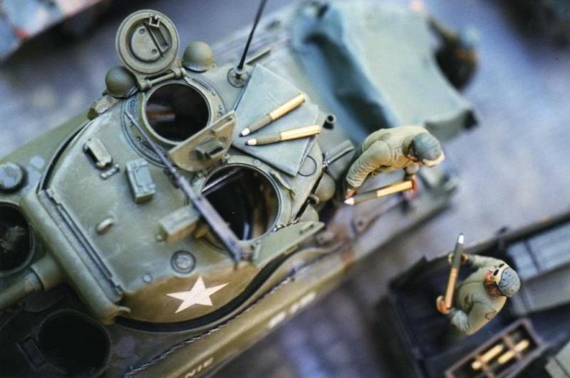 Sherman M4A1 Italeri - GMC CCKW 353 Heller - Dodge M6 Italeri - Jagdpanzer IV L/70 Italeri tout au 1/35e Allema34