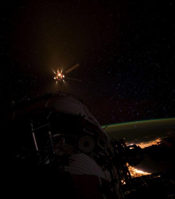 ATV-3: Amarrage, mission et fin de mission - Page 3 10336710