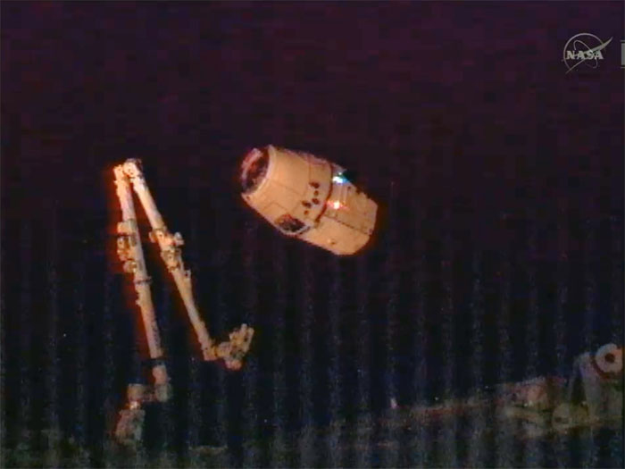 SpaceX / COTS-2: Lancement et suivi de la mission. - Page 14 Aaa232