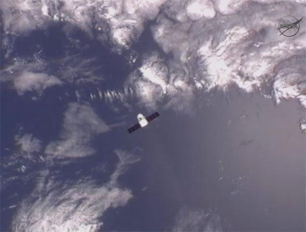 SpaceX / COTS-2: Lancement et suivi de la mission. - Page 12 Aaa75