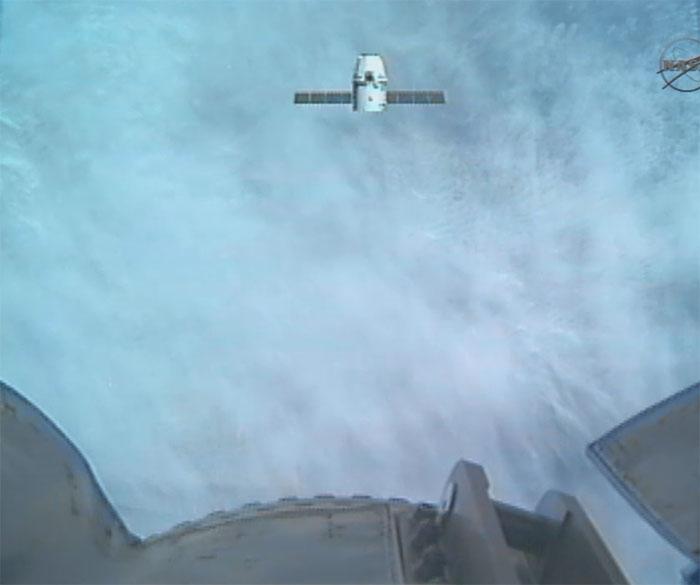 SpaceX / COTS-2: Lancement et suivi de la mission. - Page 12 Aaa77