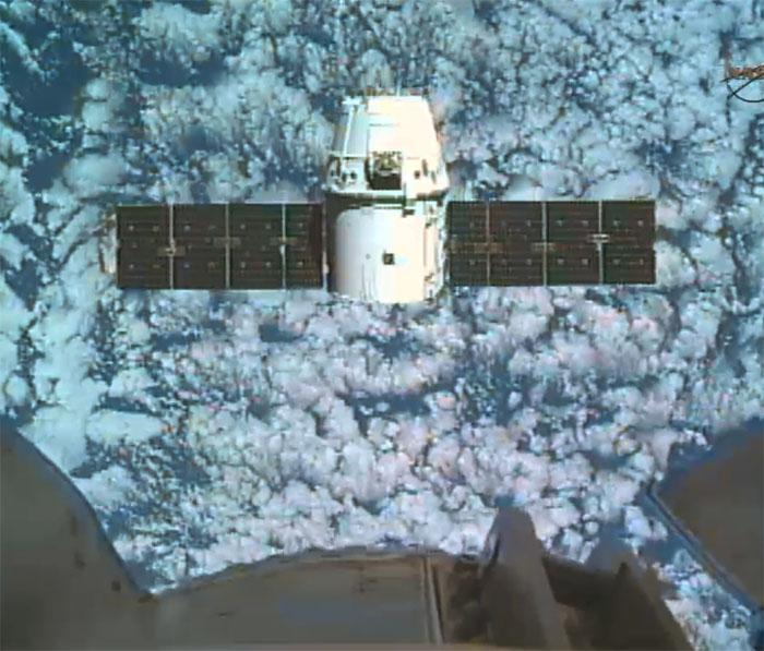 SpaceX / COTS-2: Lancement et suivi de la mission. - Page 14 Aaa81