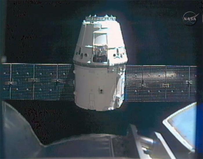 SpaceX / COTS-2: Lancement et suivi de la mission. - Page 14 Aaa84