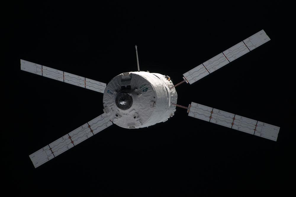 ATV-3: Amarrage, mission et fin de mission - Page 3 Iss03012