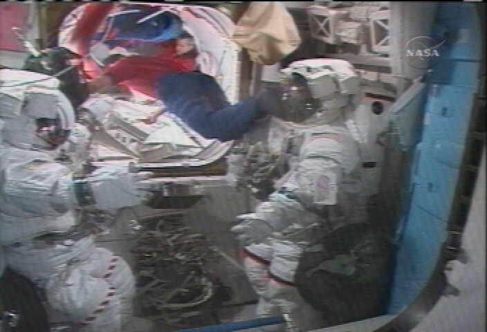[STS123] EVA1 Temp110