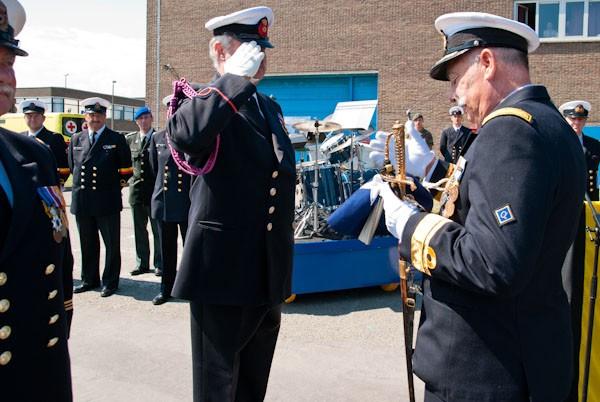 L'Amiral Robijns part à la retraite le 30.06.2011 - Page 2 Coc_nc10