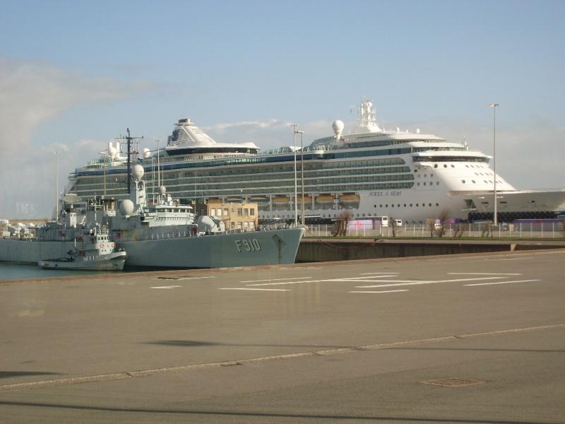 Zeebrugge naval base : news - Page 4 Sl370215