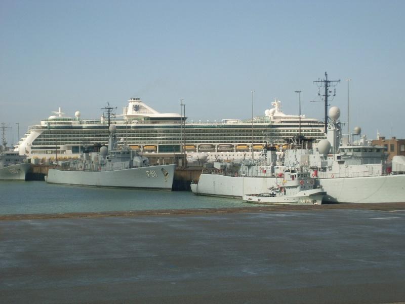 Zeebrugge naval base : news - Page 4 Sl370217