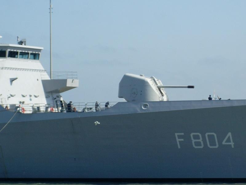 L'Amiral Robijns part à la retraite le 30.06.2011 Sl374111