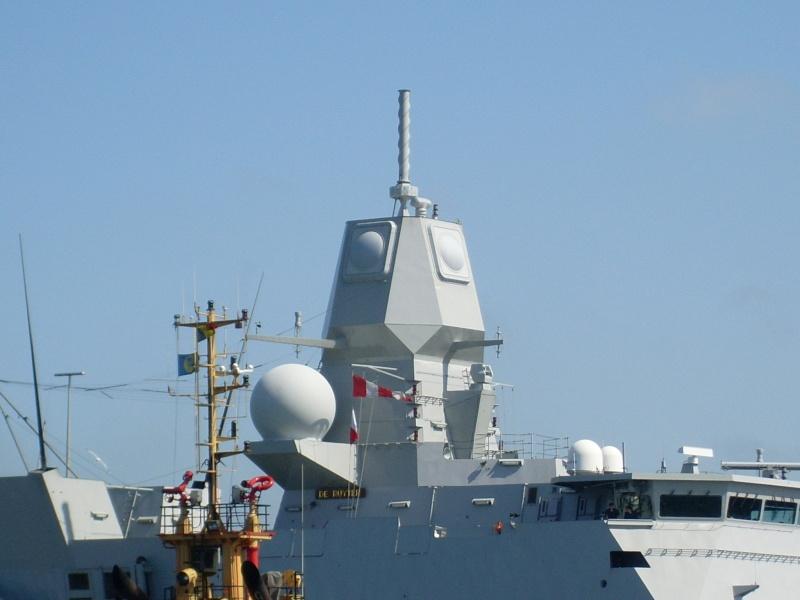 L'Amiral Robijns part à la retraite le 30.06.2011 Sl374113