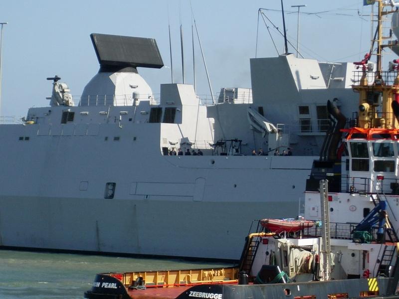 L'Amiral Robijns part à la retraite le 30.06.2011 Sl374114