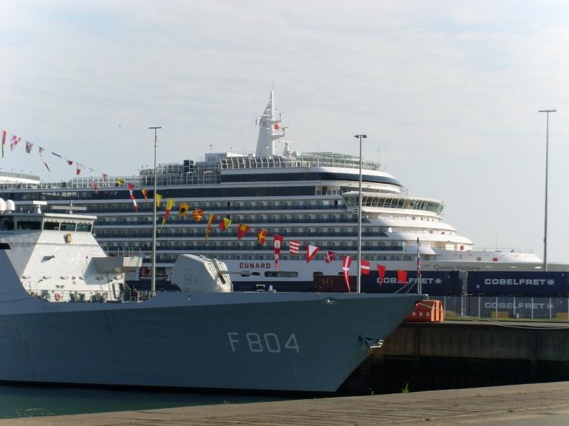 L'Amiral Robijns part à la retraite le 30.06.2011 - Page 2 Sl374212