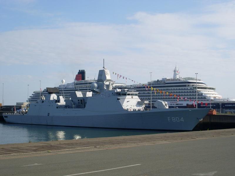 L'Amiral Robijns part à la retraite le 30.06.2011 - Page 2 Sl374213