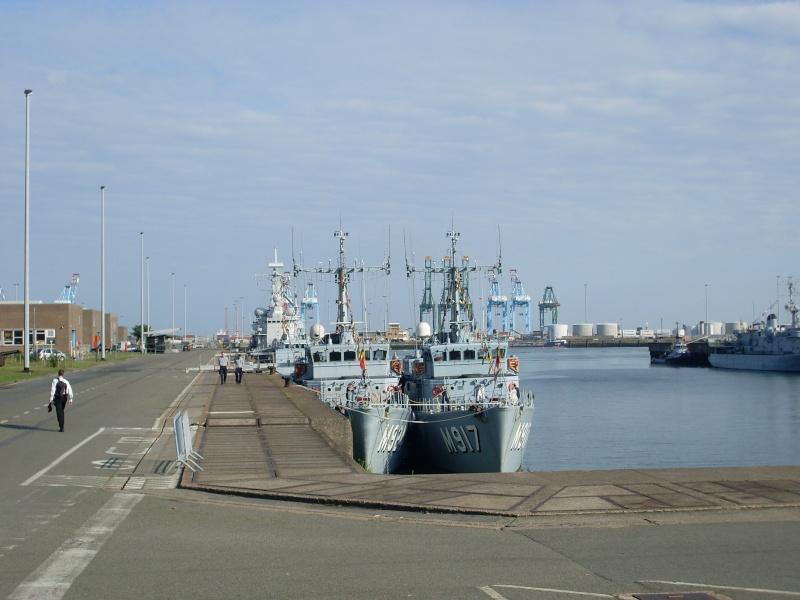 L'Amiral Robijns part à la retraite le 30.06.2011 - Page 2 Sl374214