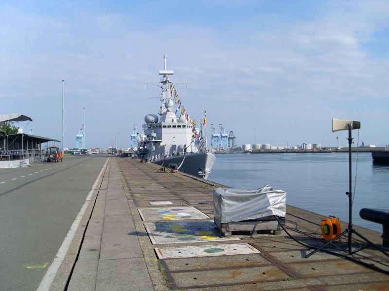L'Amiral Robijns part à la retraite le 30.06.2011 - Page 2 Sl374217