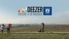 """[Publicité] """"Deezer"""" avec François Descraques (2011) Deezer12"""