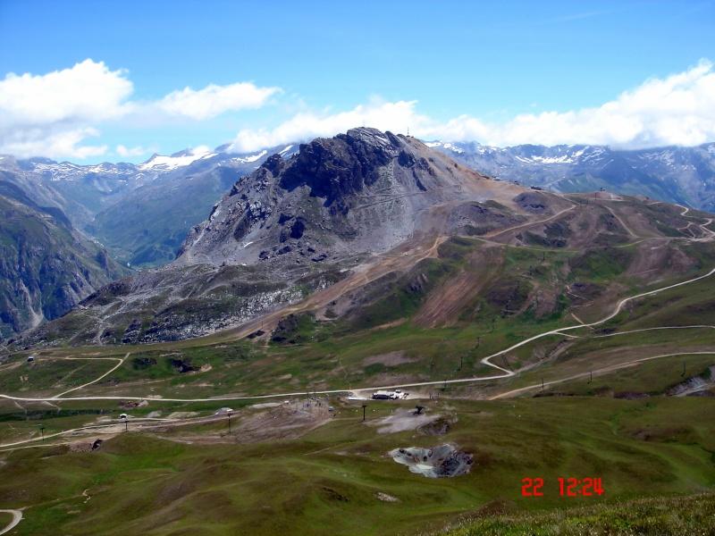 Balade sur la ligne de crête entre Tignes et Val - Page 2 Dsc04920