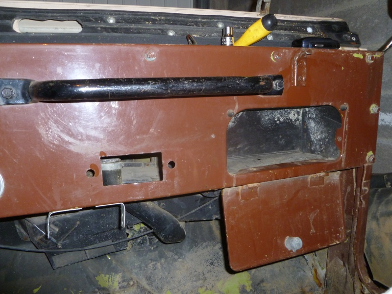 Restauration CJ5  P1030017