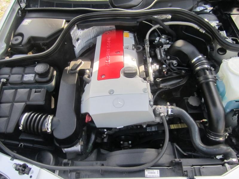 Nettoyage du compartiment moteur du CLK. Img_0923