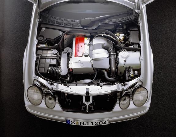 Nettoyage du compartiment moteur du CLK. S7-clk10