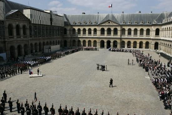 ceremonie aux Invalides, du 21 mai 2008  KOLWESI Invali12