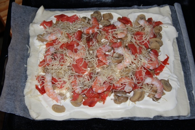 Pizza au saumon fumé et crevettes. 1_102414