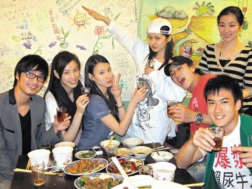 2 May '08 Nara launched CD; Peter gave a hug 08_05_21
