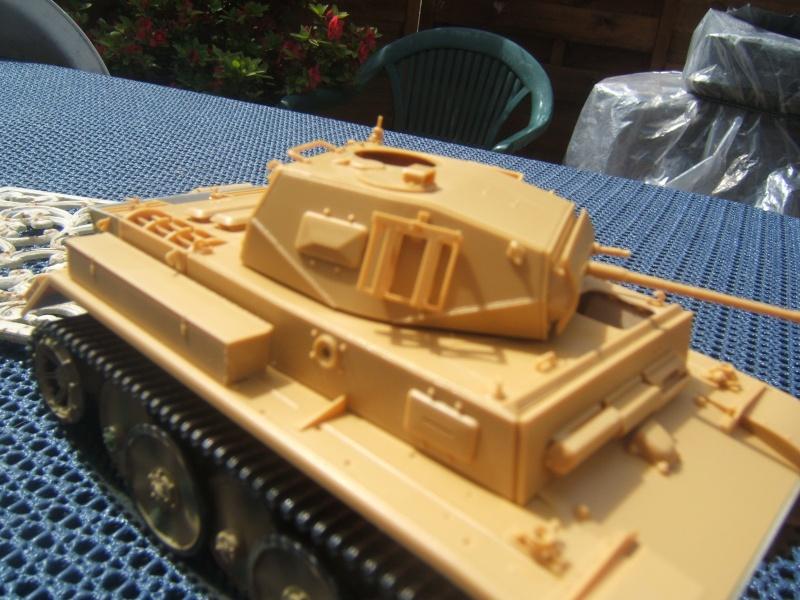 "Panzer II ""Lusch""  Tasca 1/35 Peinture terminée Dscf6526"