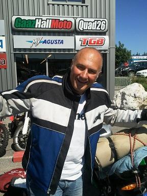 Gallo debarque chez Gaazhall!!! 2011-010
