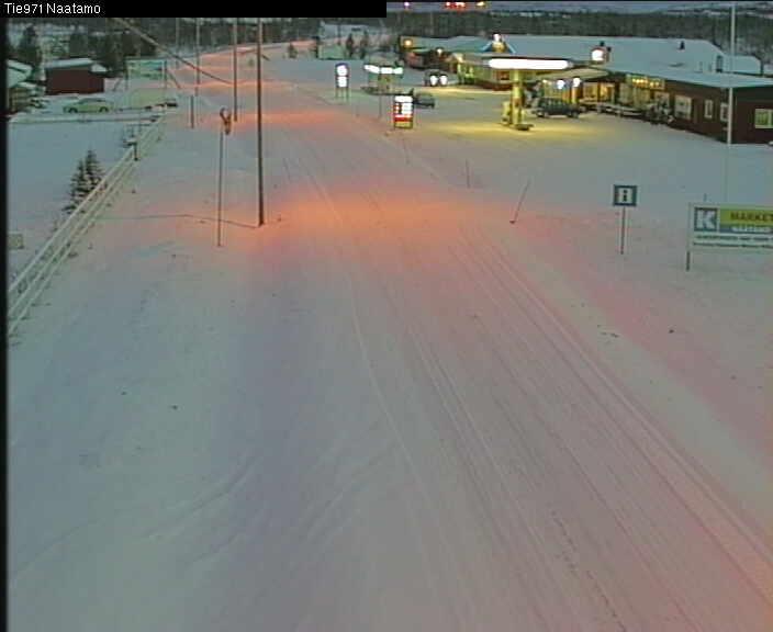 [Finlande] - Näätämö : du soleil de minuit à la nuit polaire - Page 3 C1451610