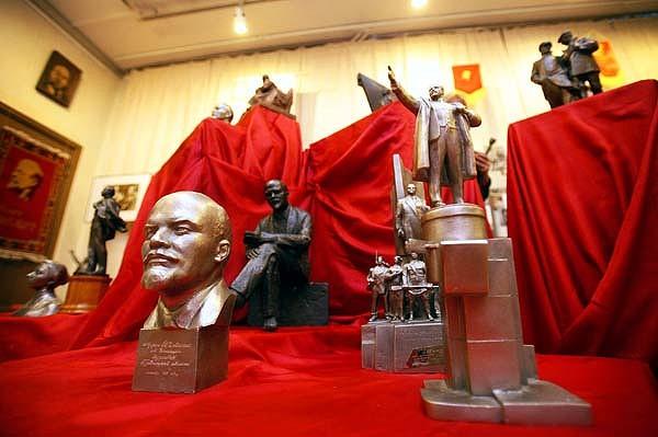 [Finlande] - Empreintes russes Lenin-10