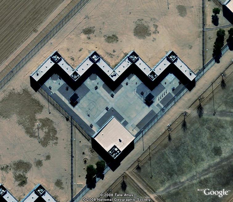 Si t'es pas sage, t'iras en prison... Perryville, Arizona Perryv12