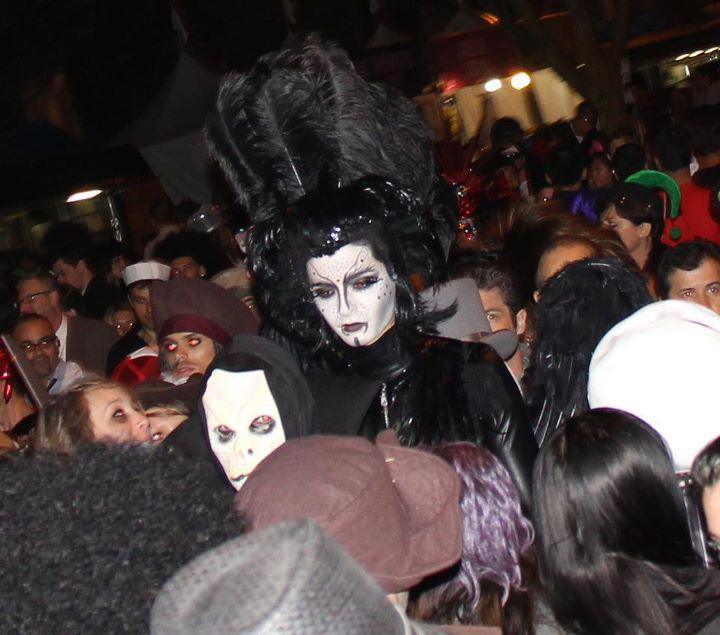 31.10.2011 - West Hollywood Halloween Carnaval, Los Angeles (USA). Bill-h10