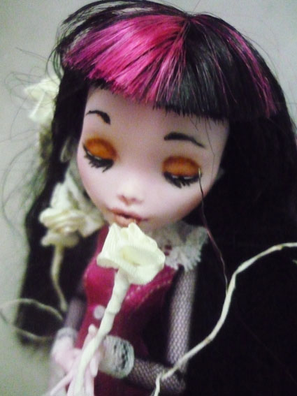 Monster high : Azalée - new make up ! (pas mal de photos) P1020815