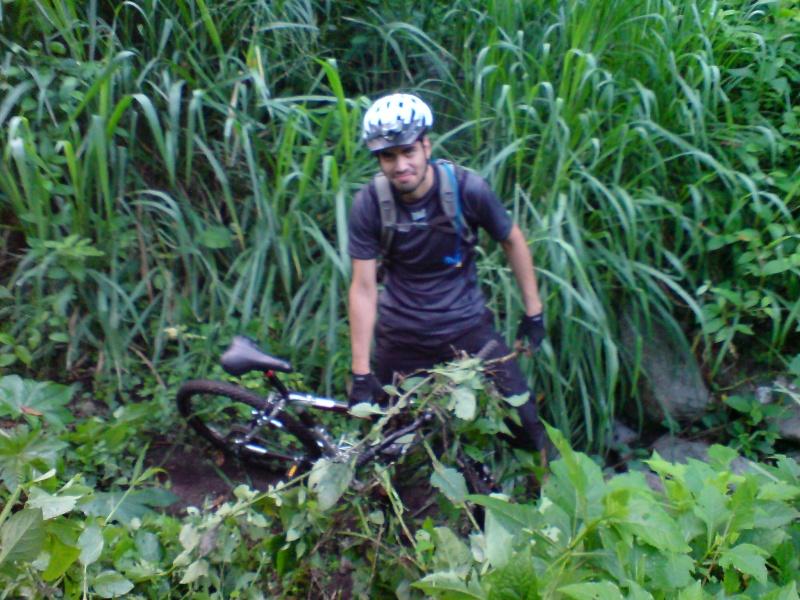 Mayo 07 Mie 2008 - Perdidos pero divertidos en el espino Dsc01319