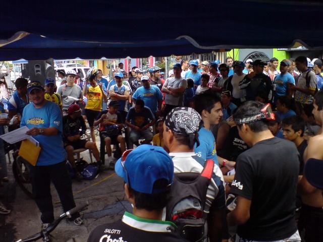 Septiembre 14 Dom 2008 - 5a Vuelta al Picacho Dsc01742