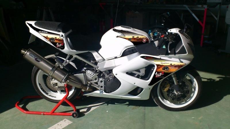 Mon 929 en Blanc pour la piste Cbr10