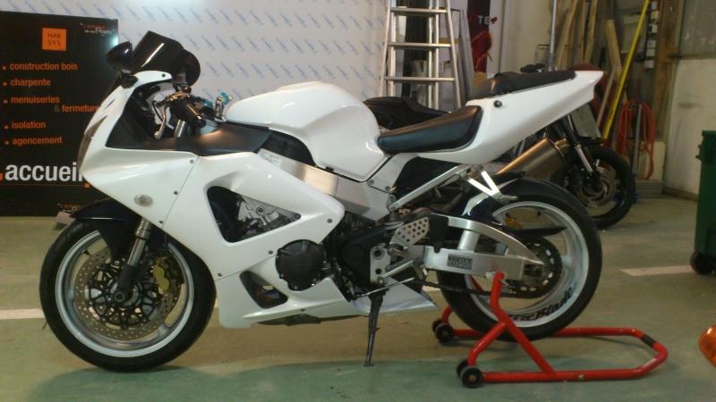 Mon 929 en Blanc pour la piste Dsc_0610