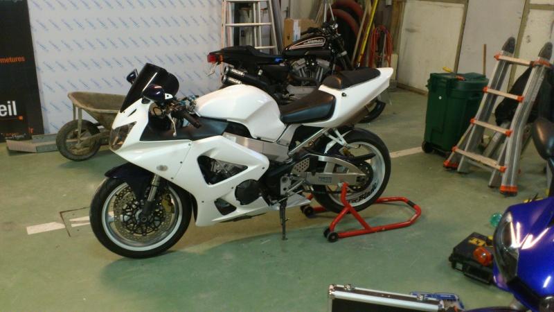 Mon 929 en Blanc pour la piste Dsc_0611