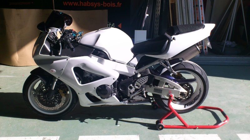 Mon 929 en Blanc pour la piste Dsc_0612
