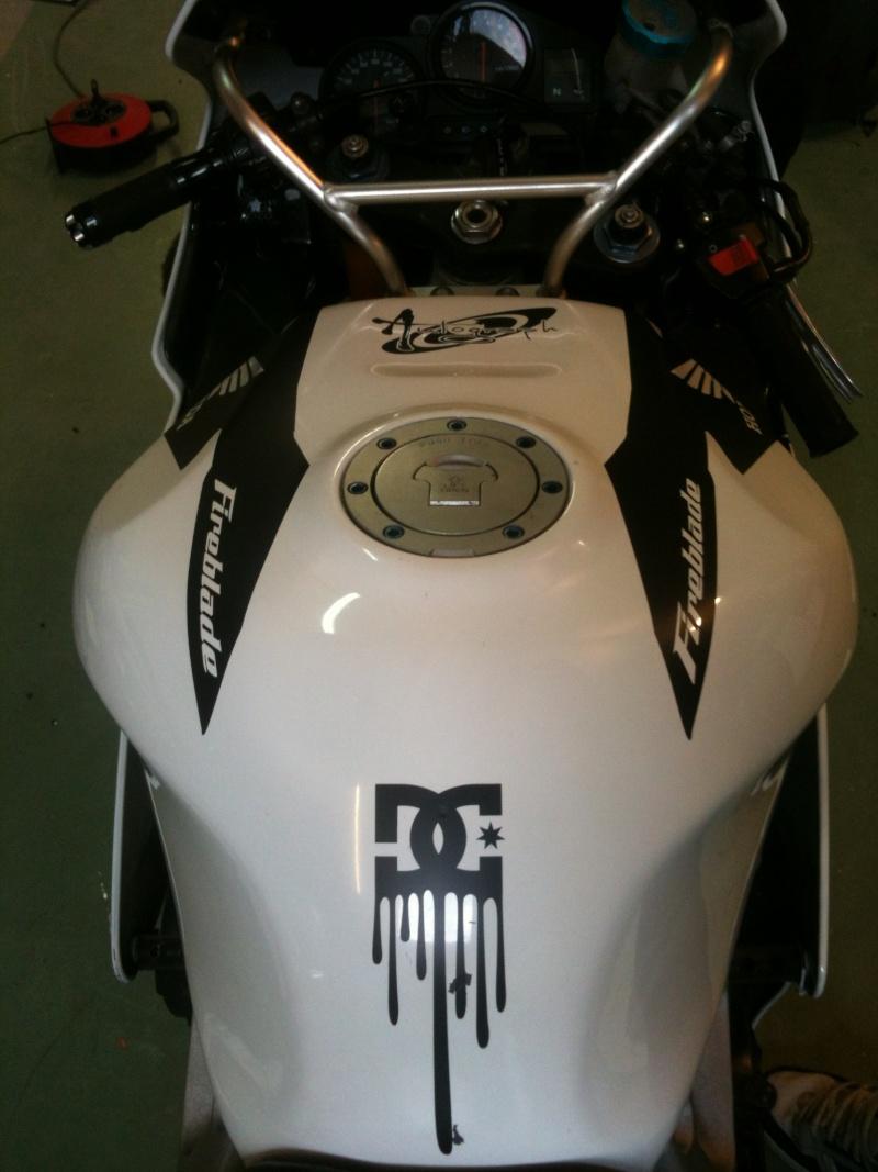 Mon 929 en Blanc pour la piste Photo410