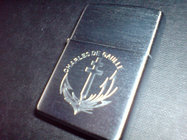 [ LOGOS - TAPES - INSIGNES ]  LES ZIPPOS MARINES - Page 2 Dsc00011