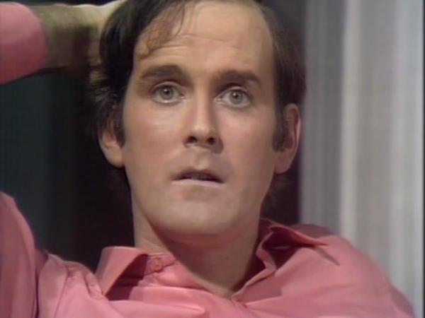 John Cleese a pris la chambre 12 John-c10