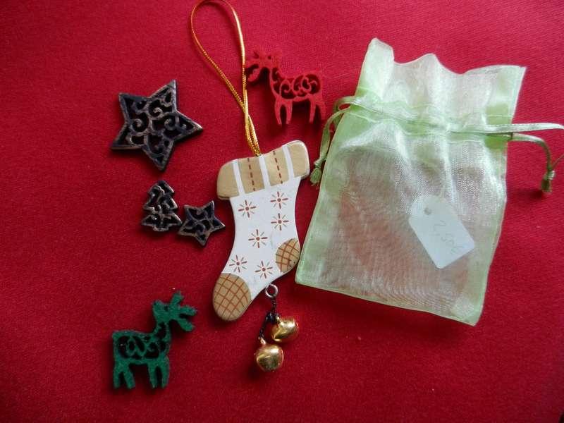 Vente des objets du Marché de Noël 2011 Petite11