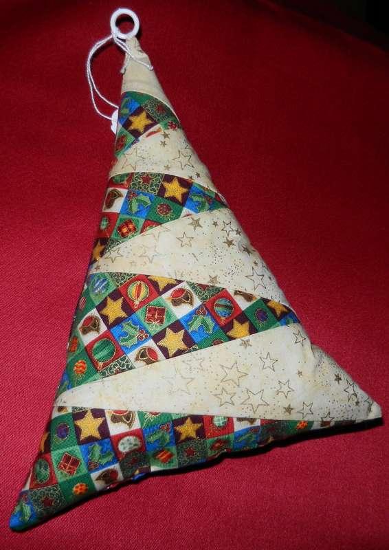 Vente des objets du Marché de Noël 2011 Sapin110