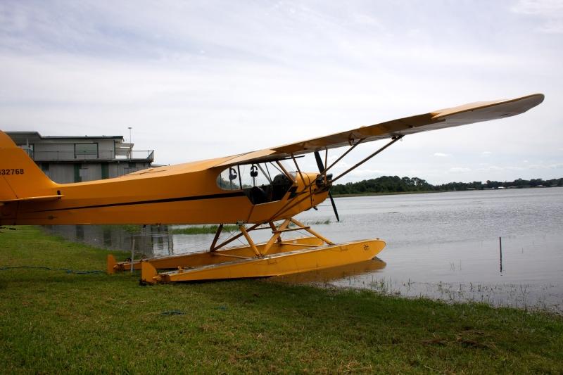 L'avion jaune et le lac Img_0910