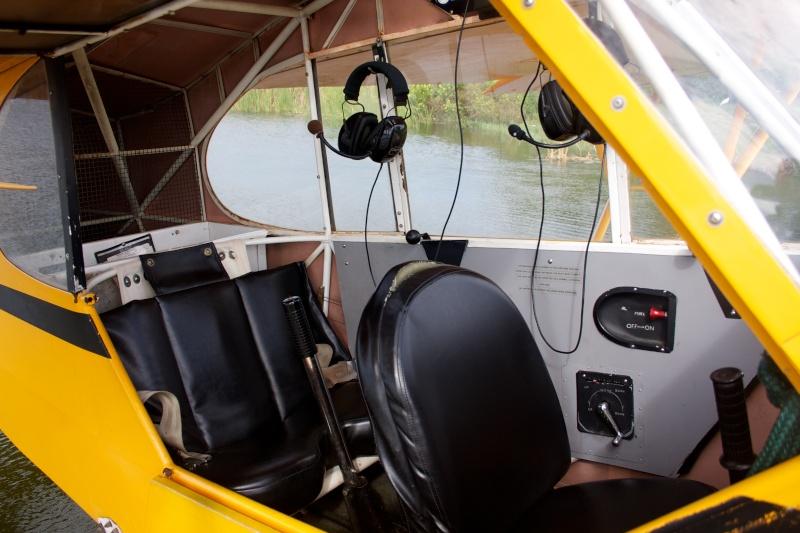 L'avion jaune et le lac Img_0911