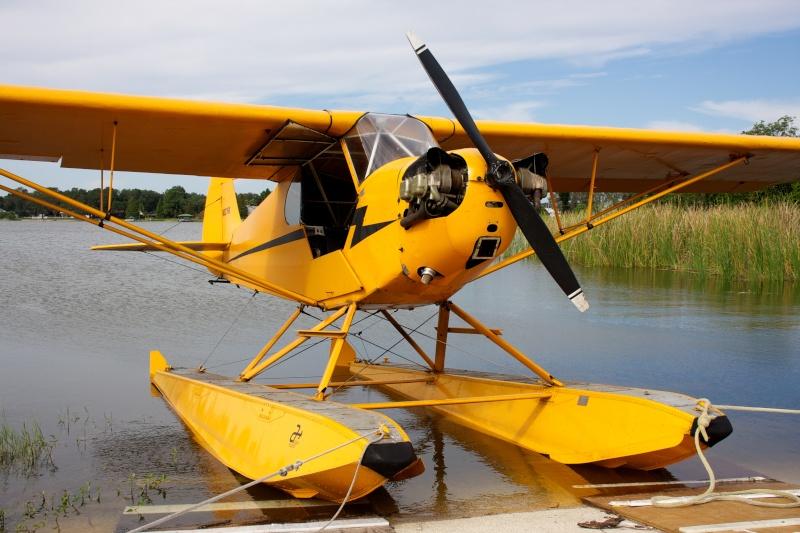 L'avion jaune et le lac Img_0912